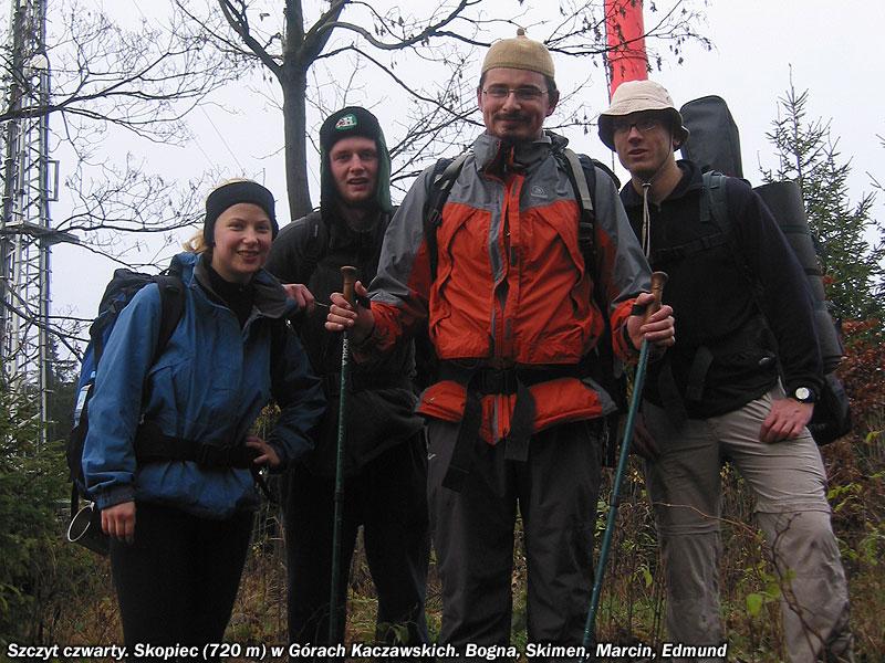 Bogna, Skimen, Marcin i Edmund na najwyższym szczycie Gór Kaczawskich.