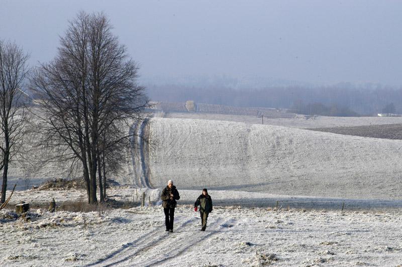 W stronę granicy. Góry Sudawskie zimą. Zdjęcie W. Barański 2007.