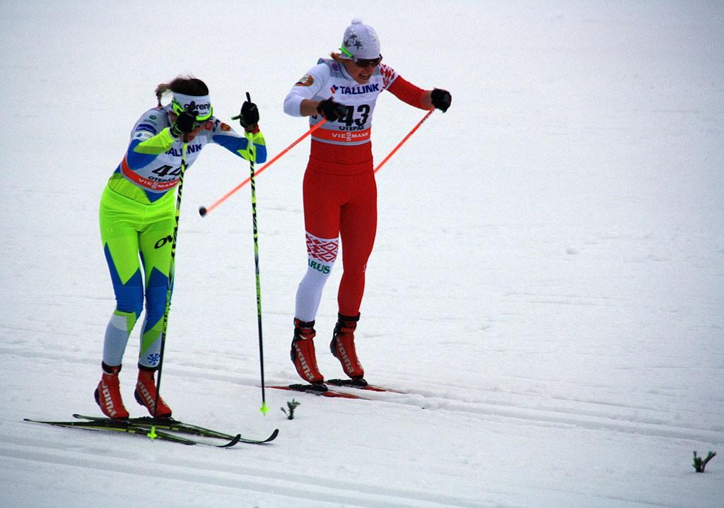 Kwalifikacje i walka o cenne sekundy do samego końca. Z lewej Alysson Marshall (Kanada), z prawej Ida Sargent (USA).