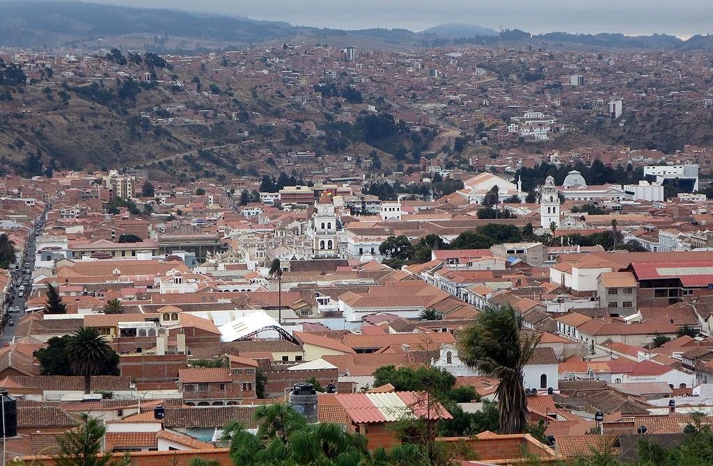 Widok na Sucre (250 tys. mieszkancow) z Pedro Anzumes.