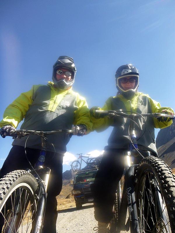 Bogna i Radek przygotowani co najmniej na Rajd Dakar. Rowerem.