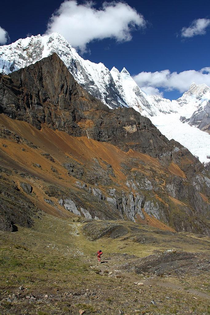Bogna na podejściu na przełęcz Sambunya (4750 m)