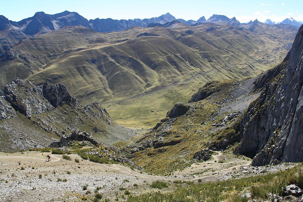Konkurs: znajdź Bognę! (trzeci dzień, trzecia trudna przełęcz. Końcówka podejścia na Paso Cacananpunta 4700 m)