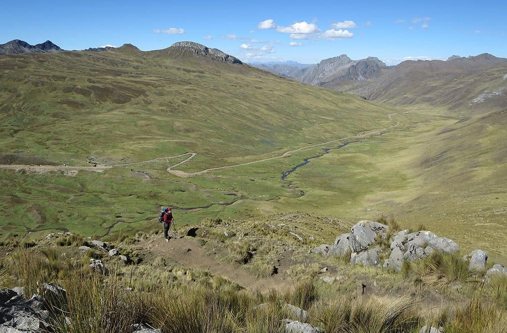 Na zejściu z Paso Cacananpunta do Janca.