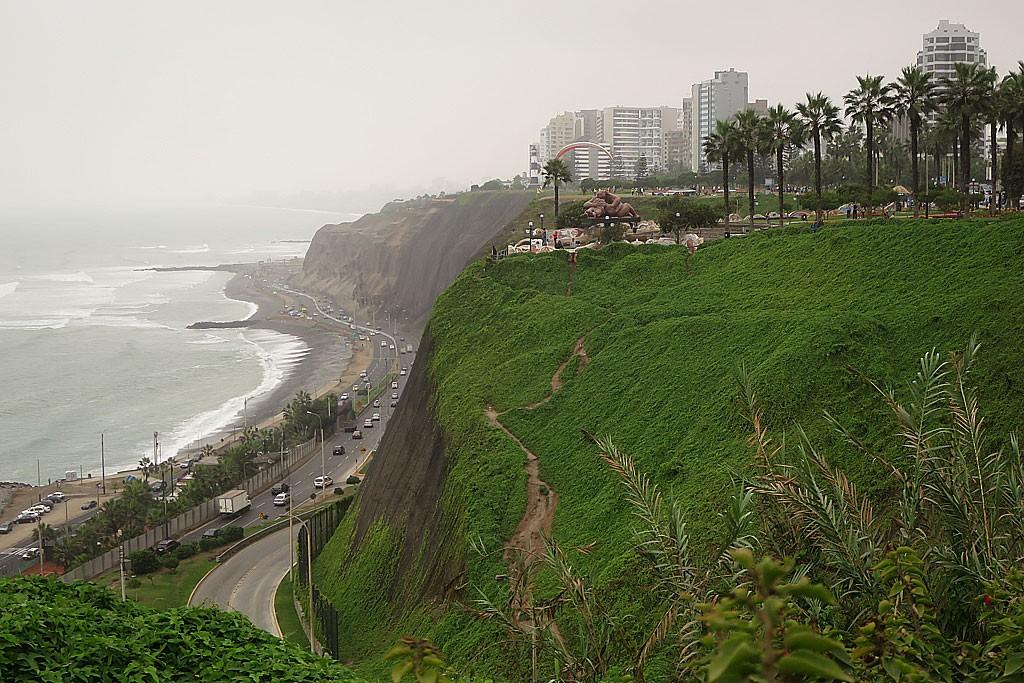 Dzielnica Miraflores położona na skarpie nad Pacyfikiem