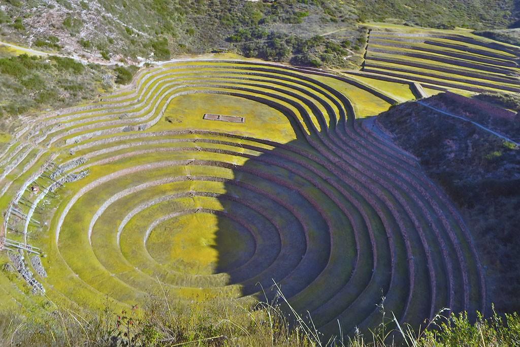 Moray, gdzie Inkowie eksperymentowali z uprawa roslin na stokach o roznym naslonecznieniu i polozonych na roznych wysokosciach. Istne inkaskie R&D!