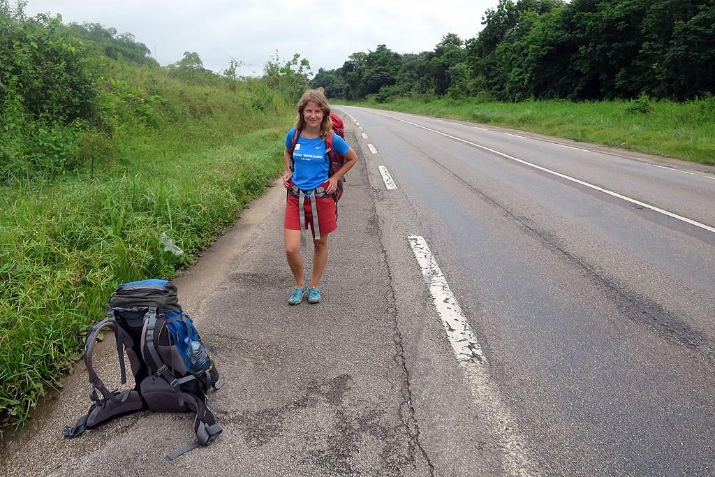 W Gujanie Francuskiej tylko raz byliśmy zmuszeni skorzystać z płatnego transportu (25 km, 20 euro...). Od tygodnia poruszamy się autostopem.