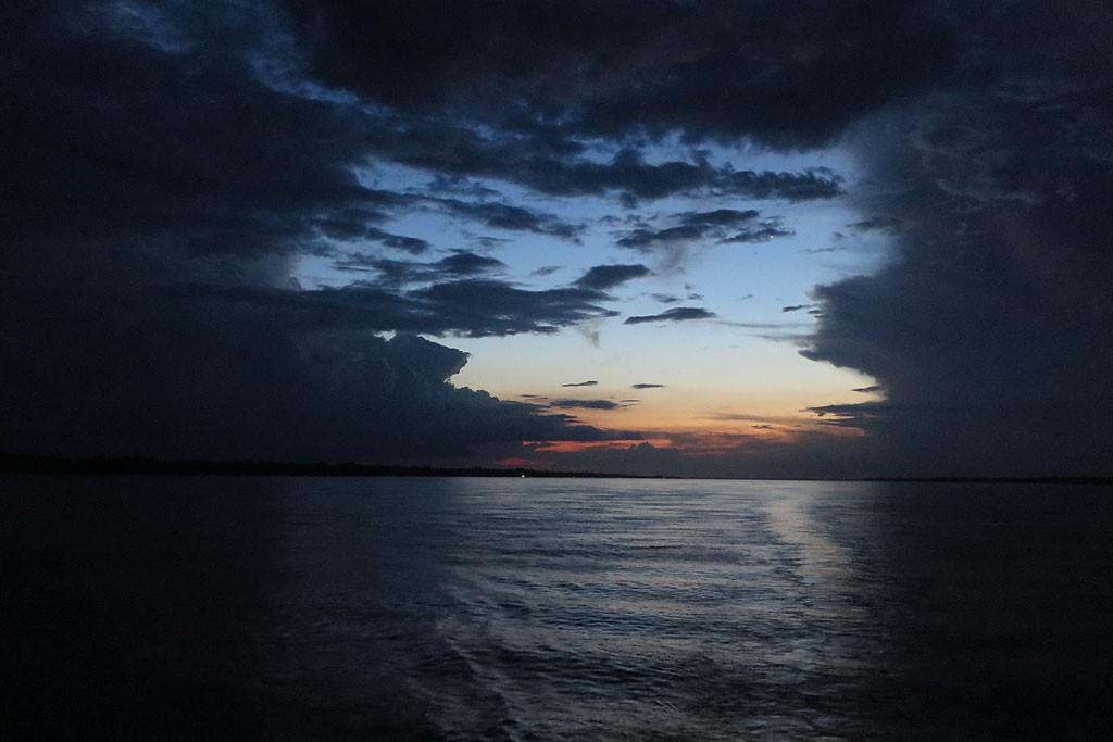 Ostatni wieczór na statku.