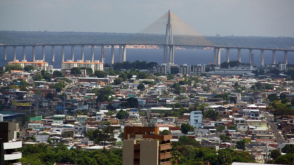 Most nad Rio Negro.