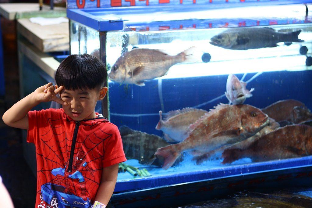 Na targu rybnym Noryangjin