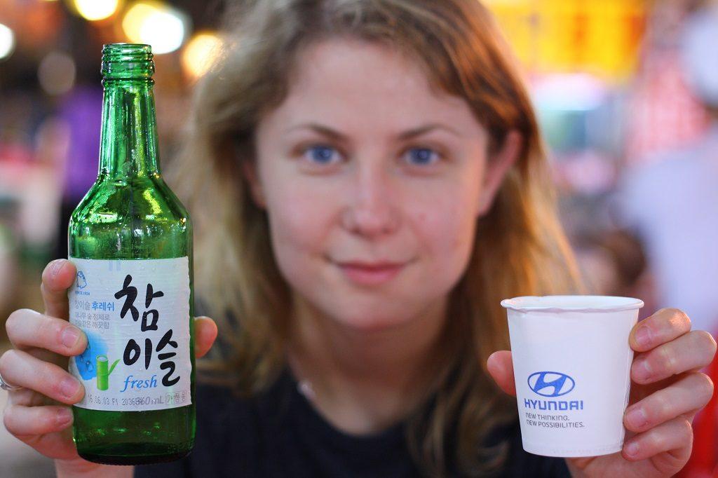 Esencja Korei: soju w kubeczku made by Hyuandai